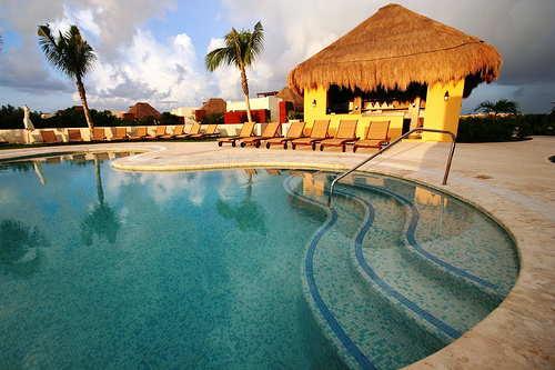 Mayakoba pool