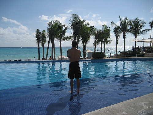 royal hideaway pool